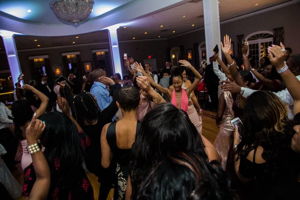 All guests on dance floor