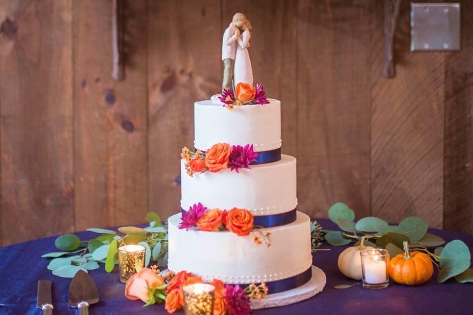 Couple cake decoration
