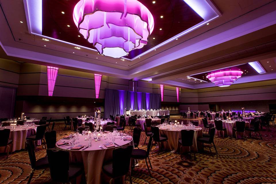 Radisson Plaza Hotel & Suites
