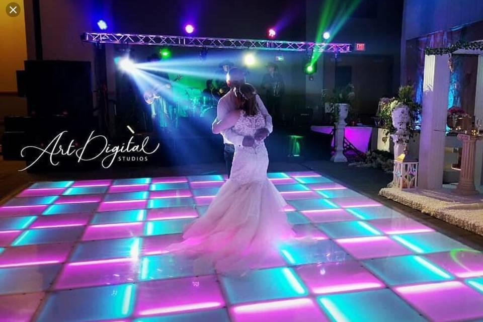 Light up the first dance