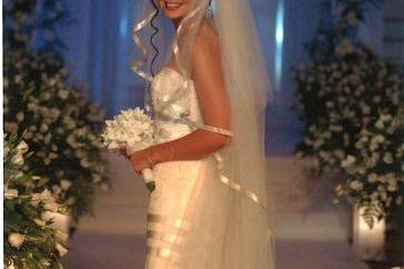 Bride in the middle of the aisle