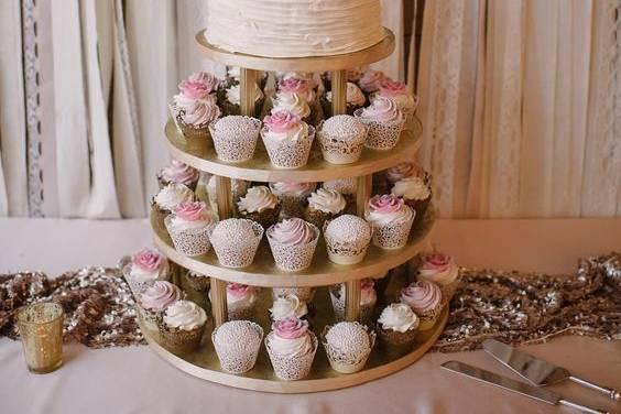 Classic wedding cake meets cupcake tower