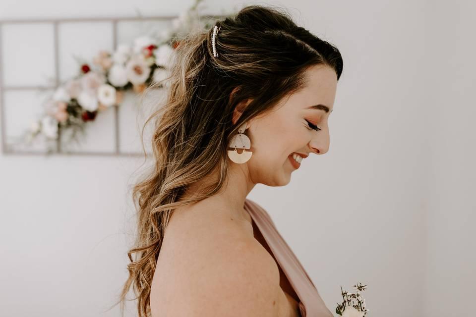 Chic bridesmaid half-up style