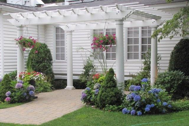 The pergola is perfect for outdoor ceremonies or a beautiful location for photographs.