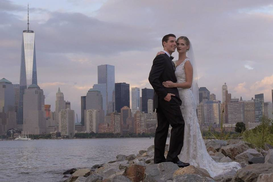 Wedding photo with the city in the background