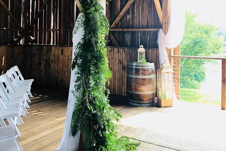 Small barn floral decor