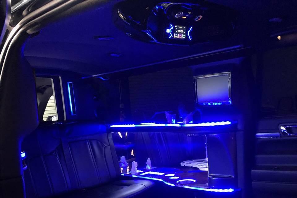 Black 8 Passenger Lincoln MKT