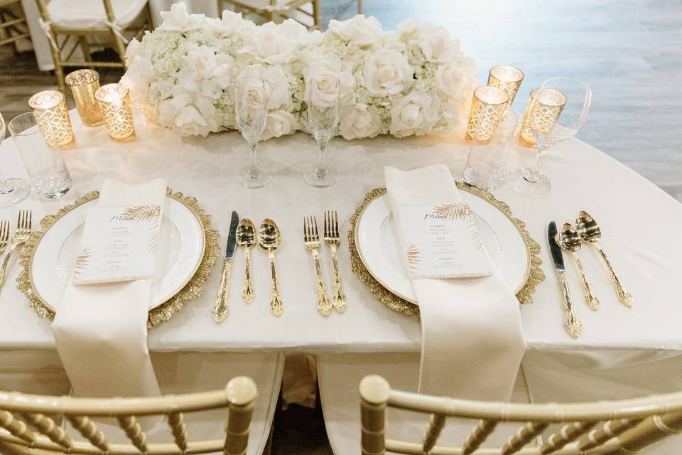 Ivory & Gold sweetheart table