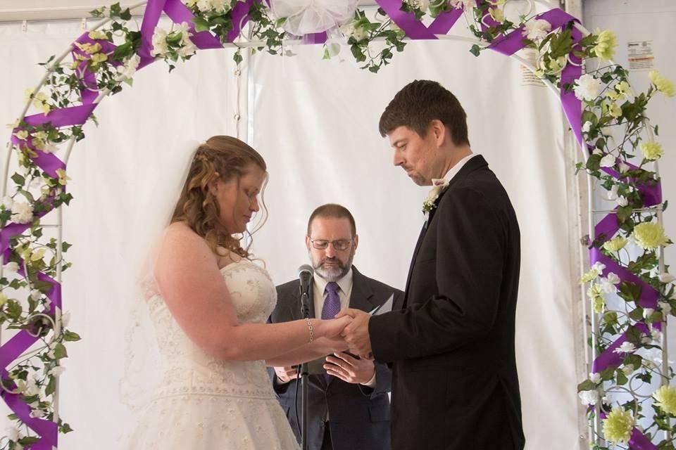 Vows under an arch