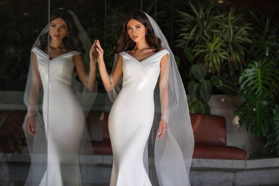 Love Curvy Bridal