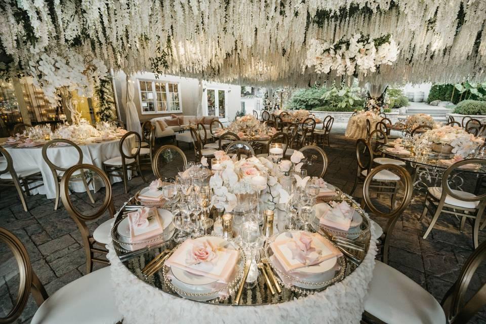 Romantic reception decor