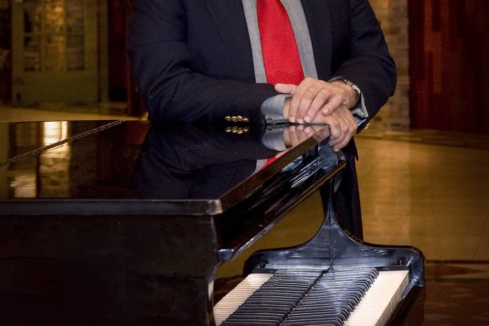 Karl Tricomi, Pianist