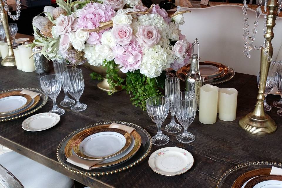 Blackwall Hitch table setting