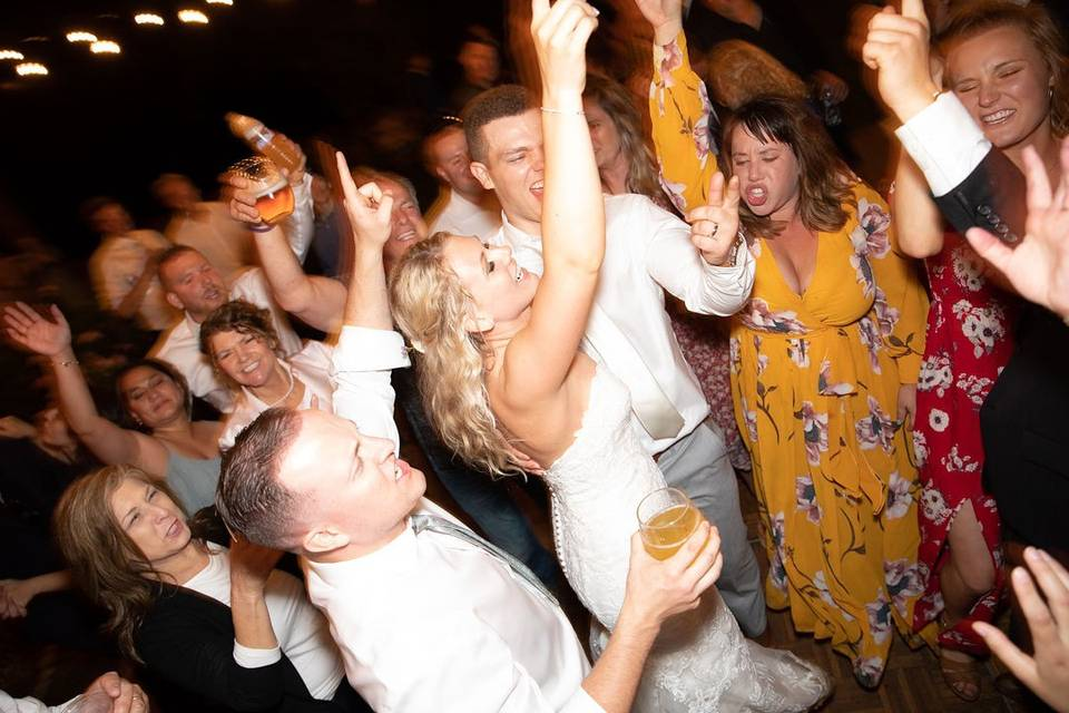Put your hands up for the newlyweds