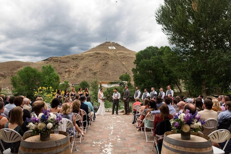 Riverside plaza ceremony