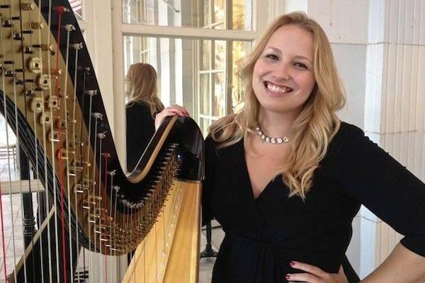 Modern Harpist