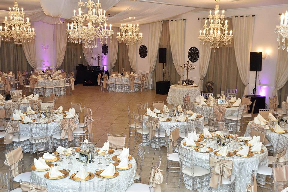 Fergne Villa reception hall