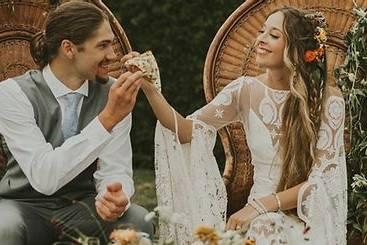 Karli & Kevin love pizza