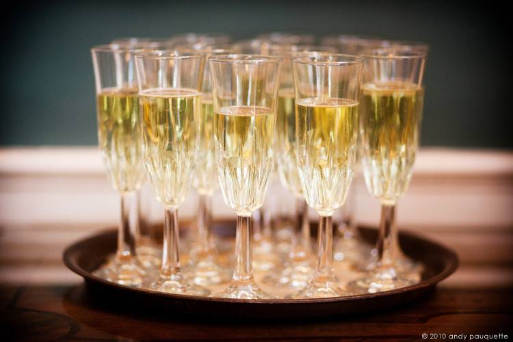 Sparkling glasses with wine