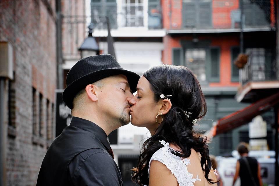 French Quarter kiss