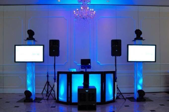 Sonicboom DJ & Photobooth