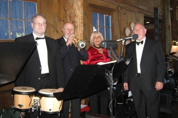 Jazz-Plus Combo plays at Amish Acres in Nappannee, IN. Phyllis on Piano, Tom Furness on Bass, Dave Richards on Trumpet, Don Johnston on Drums-Vocals