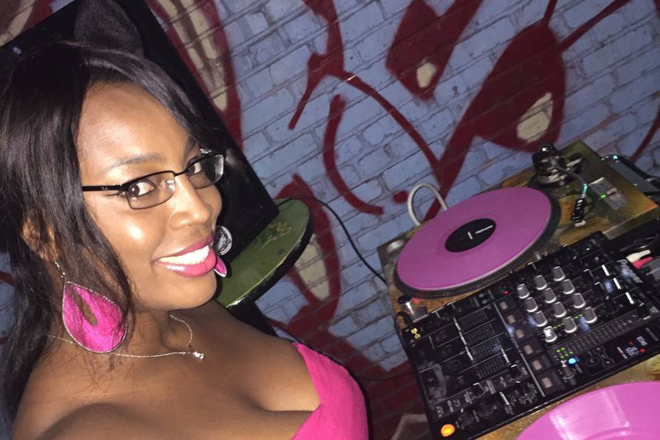 DJ Lady Shay