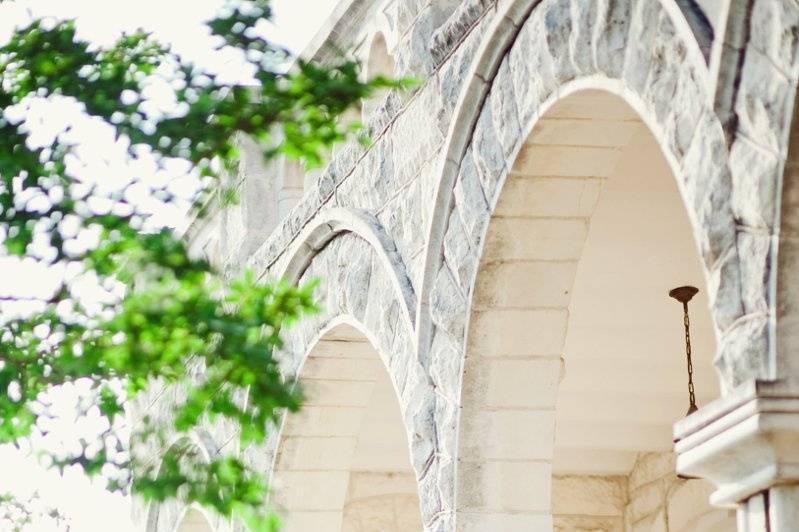 Bridal portrait at chateau bellevue