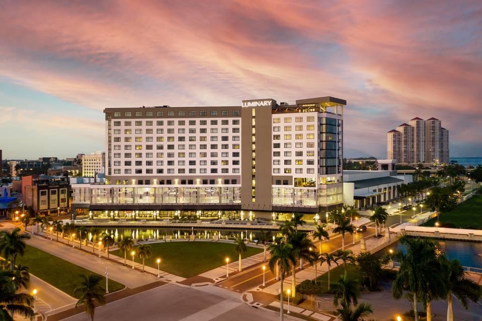 Luminary Hotel & Co.