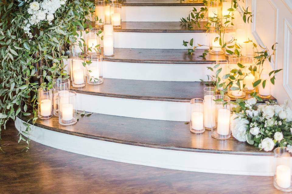 Swooning on the staircase