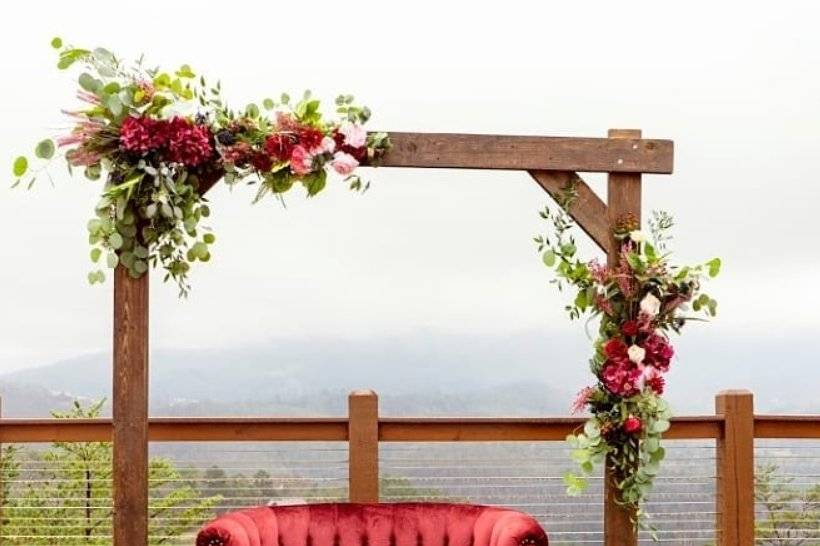 Arch and Loveseat Rentals
