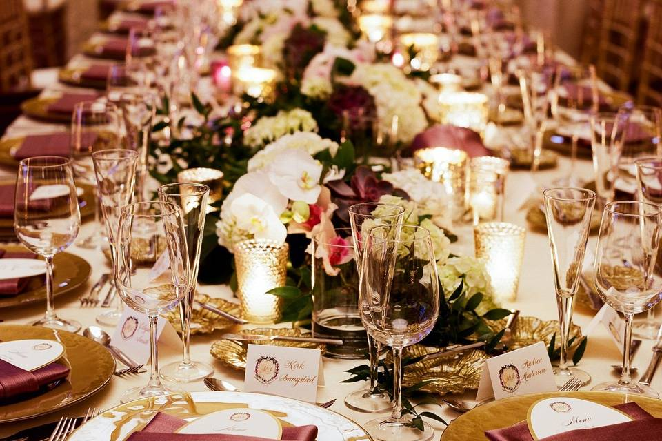 Maroon napkins for place settings