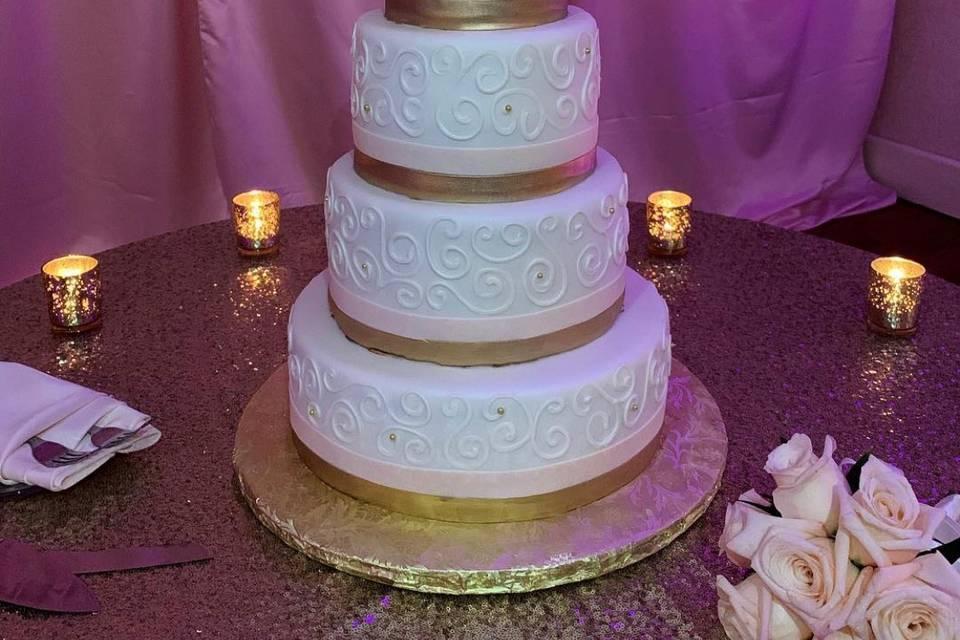 Classic fondant cake