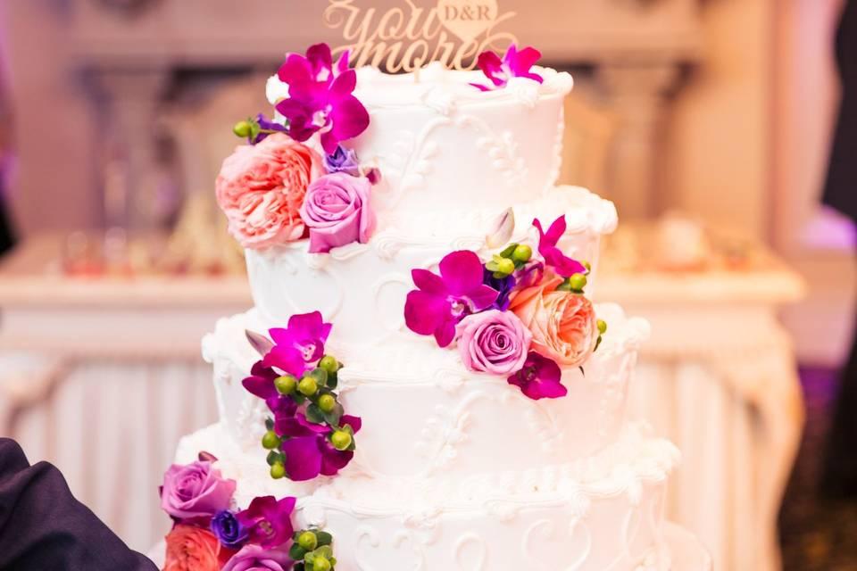 Wedding cake | Photo by Montclair Studio