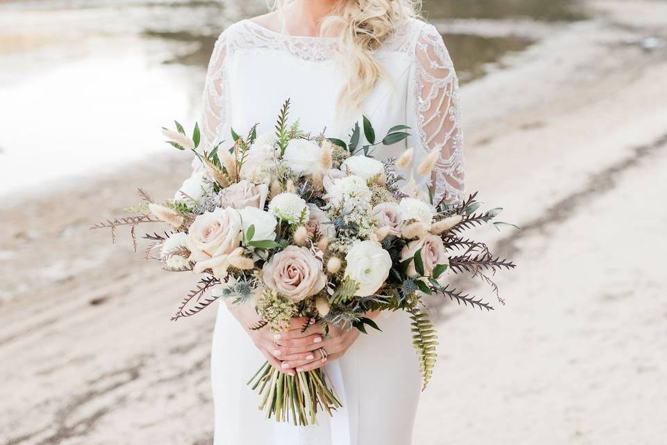 Rustic and romantic bouquet