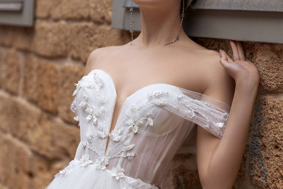 Wedding dress w. cap seeves
