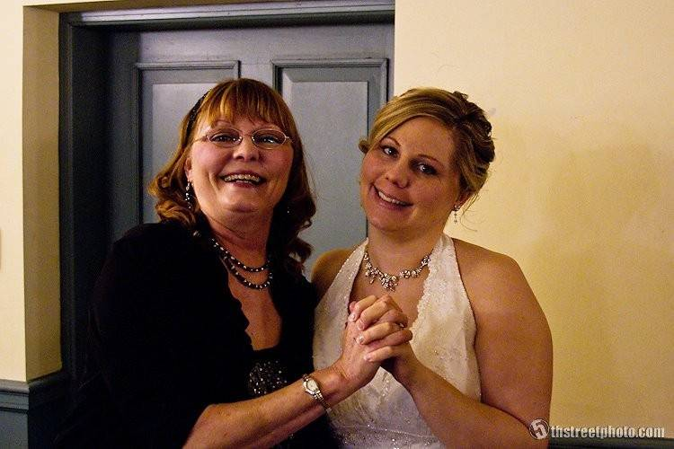 Joan & her daughter Lydia on wedding day