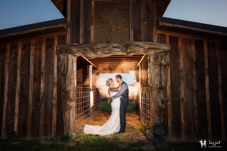 Newlyweds by the barn | Lazzat Photography