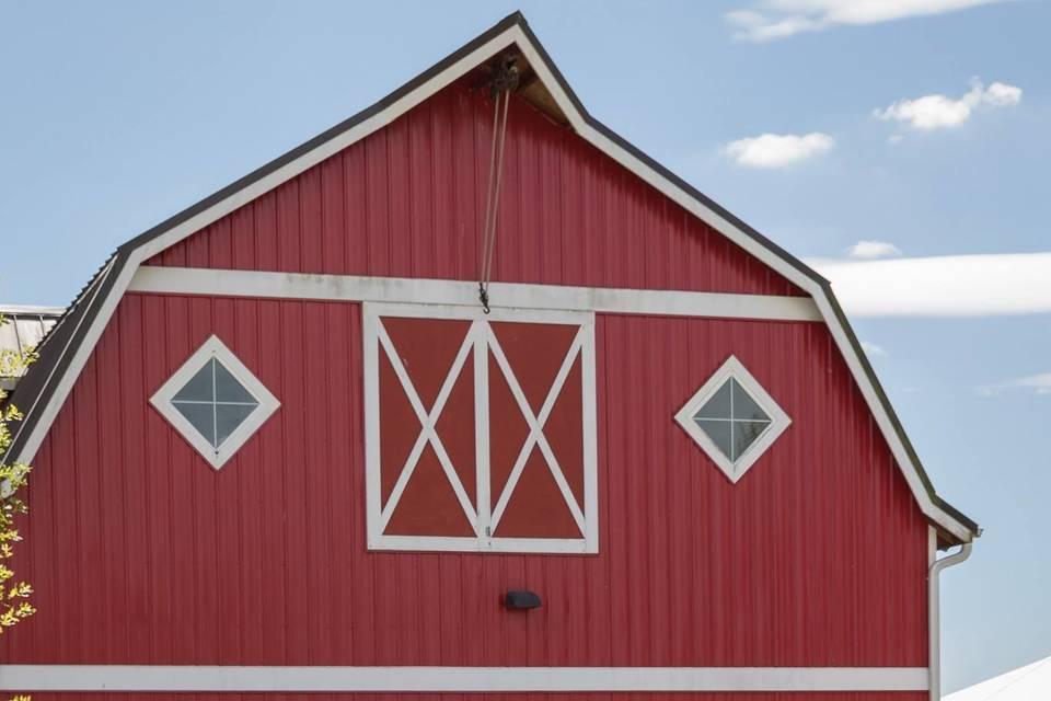 Barn in the backdrop | Jen Sanders Photography