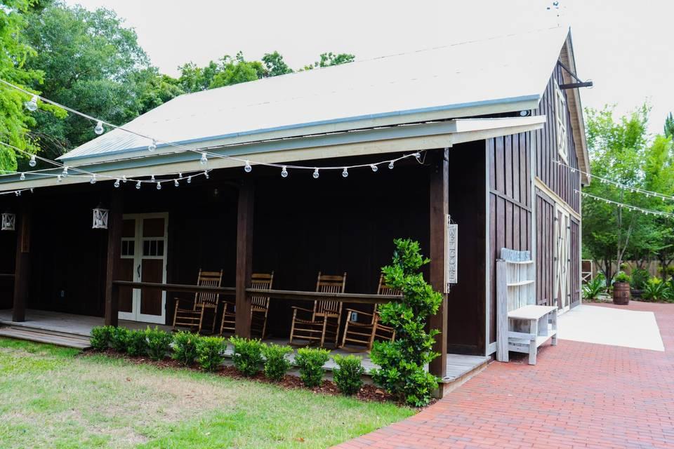 Farmhouse Porch and Lawn