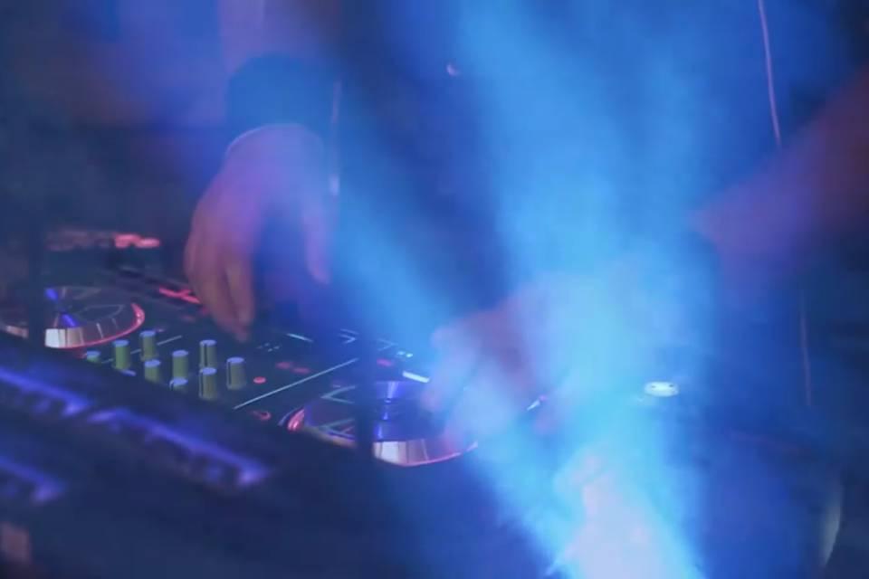 Rad-I-Nation DJ & Lighting