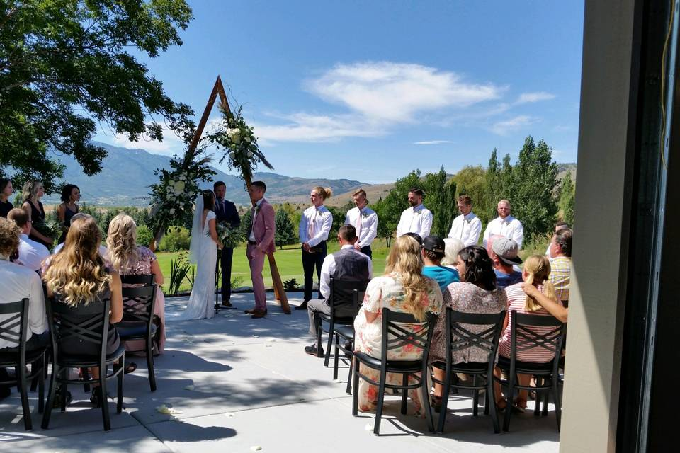 Vows with views
