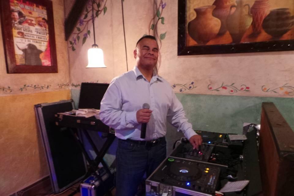 DJ Darrell in action