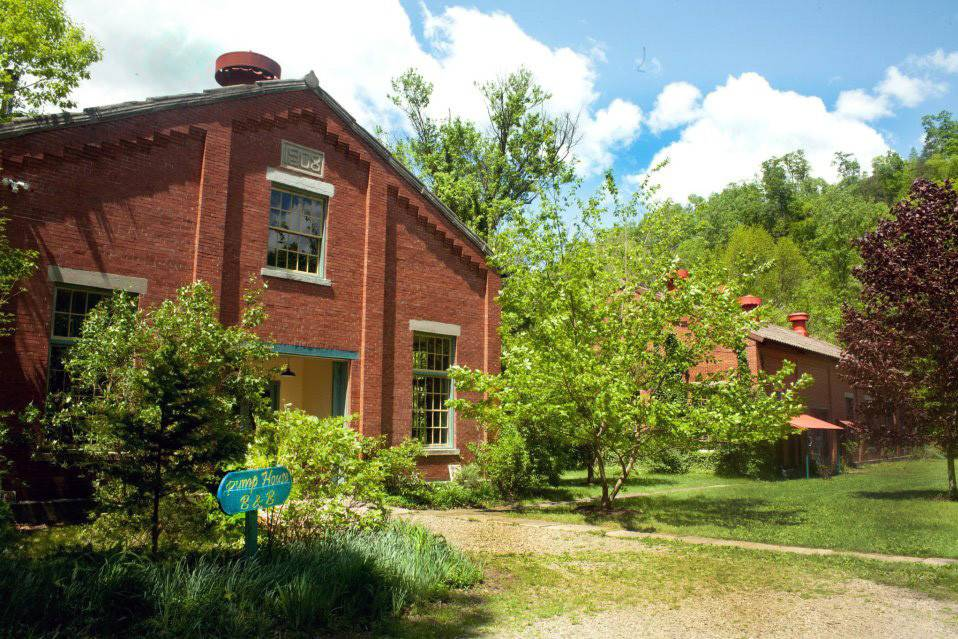 The Pump House Weddings and Bed and Breakfast