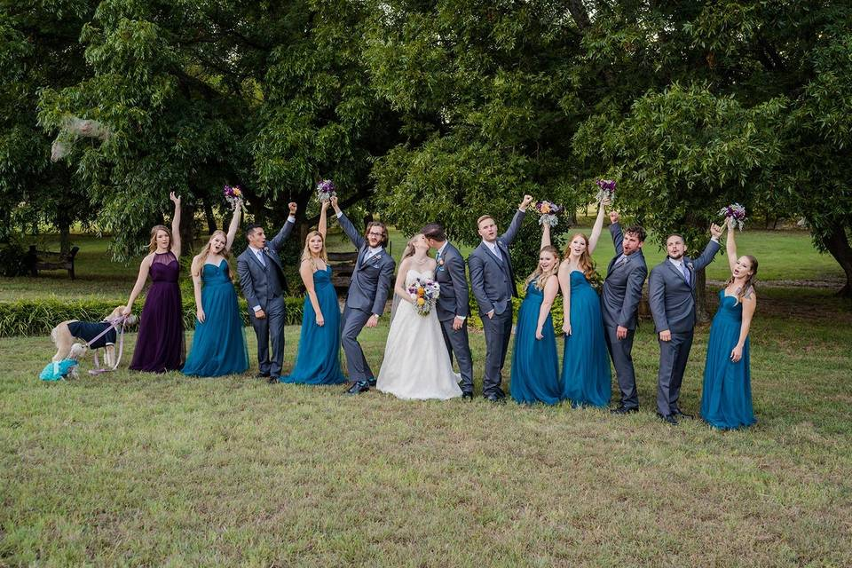 Such a fun bridal party