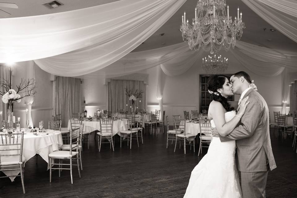 Custom event draping in white chiffon by W Drapings FL for a wedding reception at Highland Manor Apopka. Photo by Laura Yang Photography.