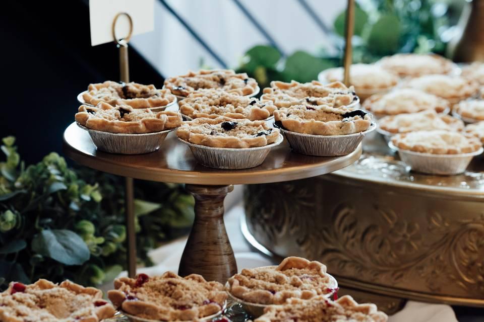 Mini pies go with any theme