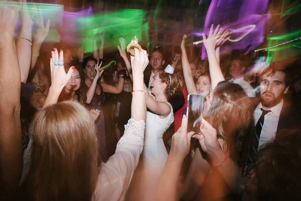 Hands up, hands up
