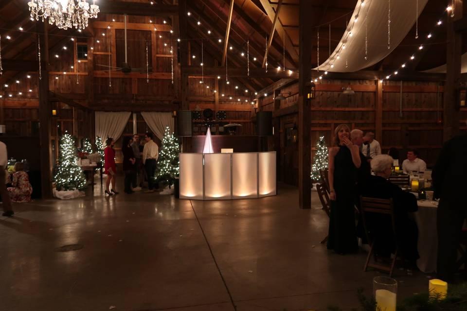 Lighting compliments venue