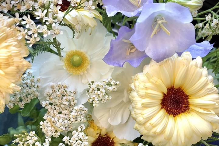 Custom local flower designs